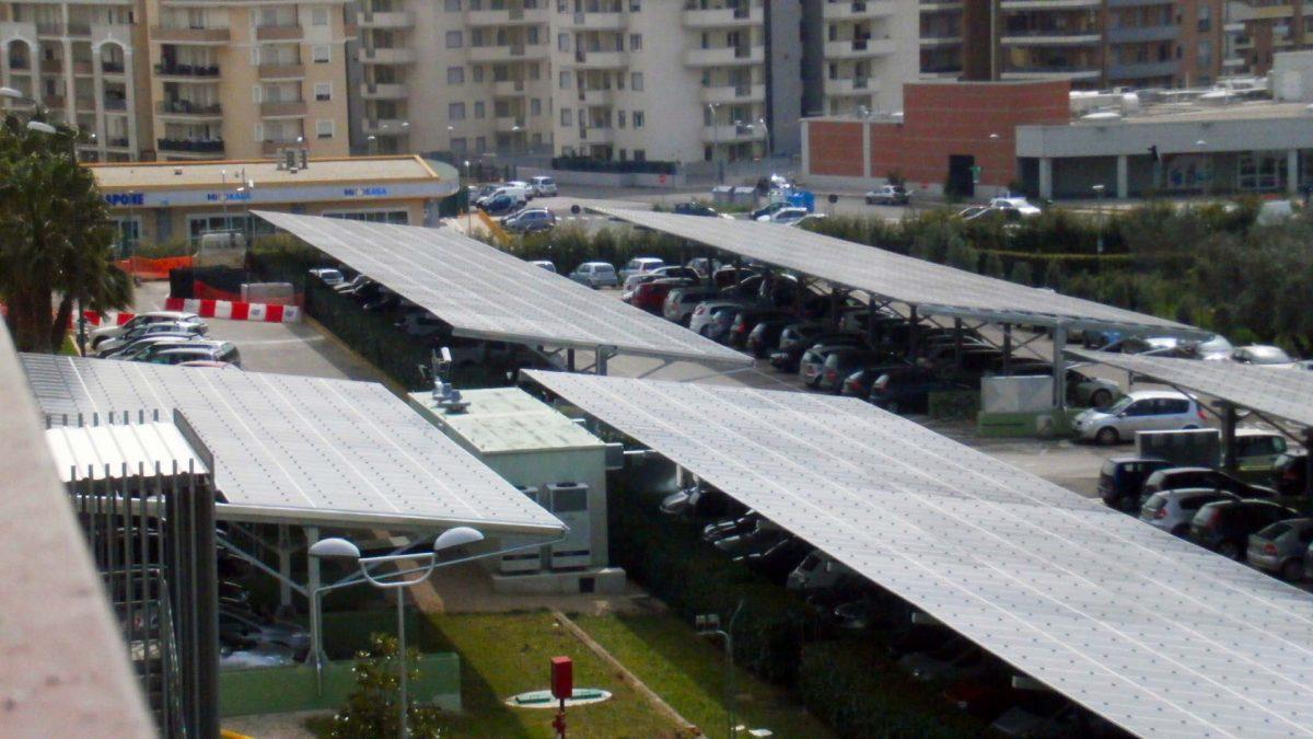 Impianto fotovoltaico industria farmaceutica copertura parcheggi